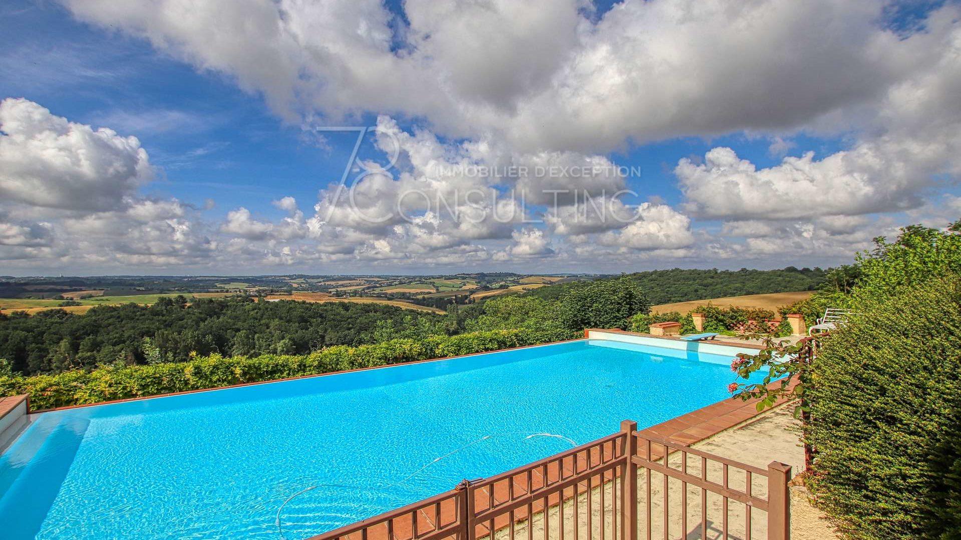 piscine vue Pyrénées